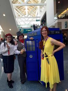 Dana - Rennie cosplay with a TARDIS